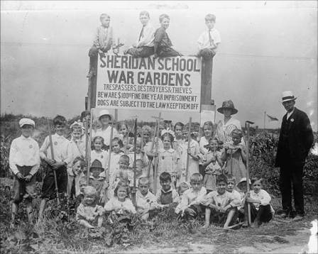school gardening in wartime- US style
