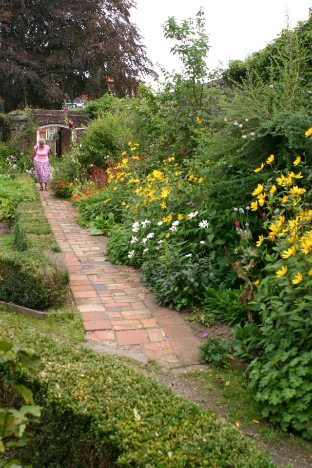 herry Tree Cottage flower border