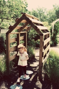 a pallet playhouse tiny recycled diy shack fort