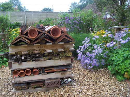 Bug hotel old school garden for School garden designs