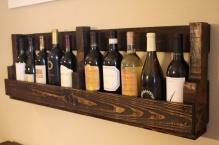 diy-vintage-looking-wine-rack-of-a-pallet-1