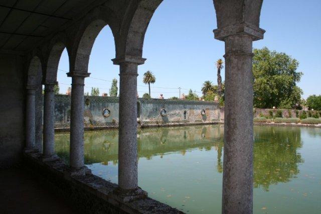 Quinta da Bacalhoa - the Water tank