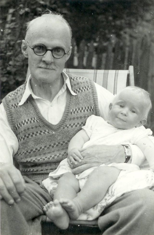My paternal Grandfather William Kiddle Boldero- and me!