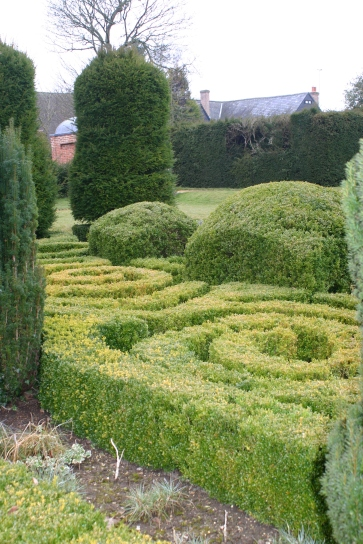 Dutch Garden- swirling parterres