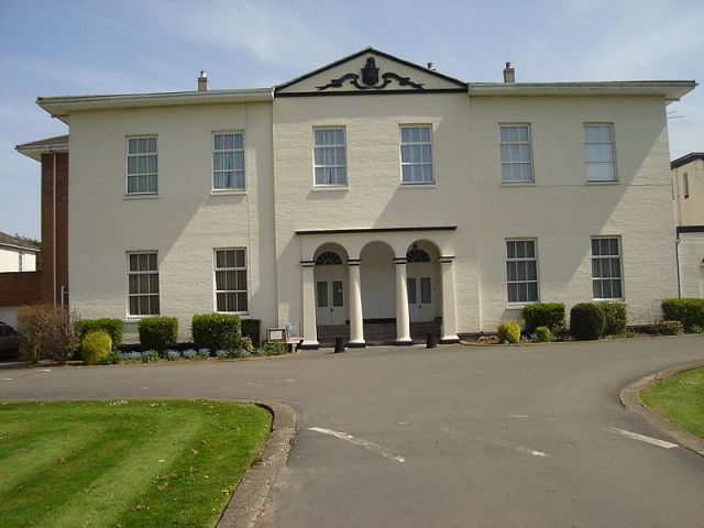 Stratton Strawless Hall