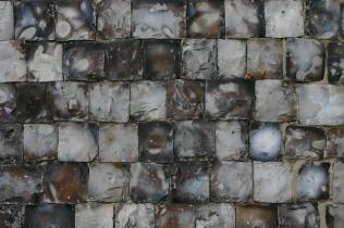 'Knapped' flint walls