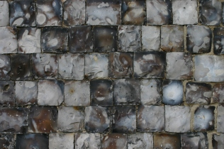 'Knapped' flint walls