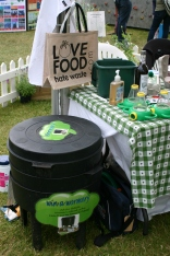 Reducign waste food and turnign soem of it into compost- via a wormery