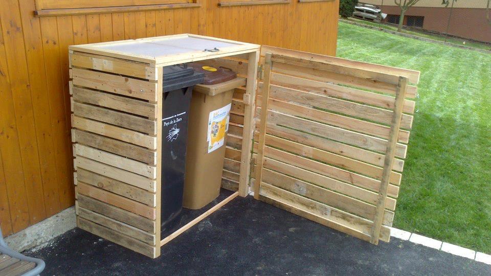 even more pallet power old school garden. Black Bedroom Furniture Sets. Home Design Ideas