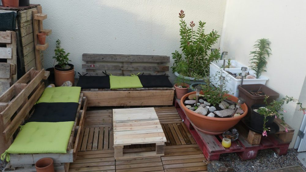 Recycling in the Garden- I can't stop collecting these ideas! (4/6)