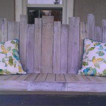 A pallet swing seat