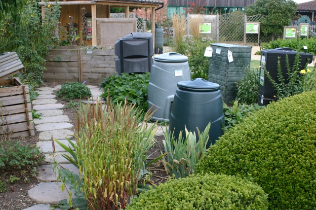 No, not a set from 'Dr. Who', just a display of 'dalek' and other types of compost bin!