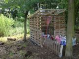 pallet hut for children