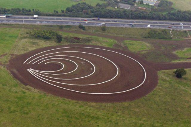 earth sculpture richard harris