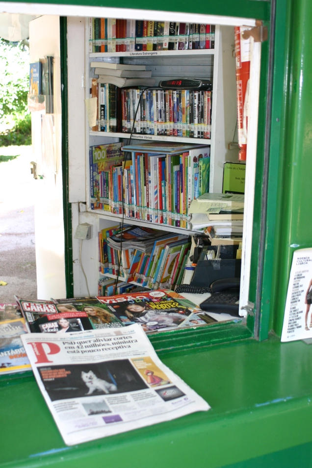 Books and Mags to loan on the spot