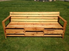 Bench made from 2m pallets