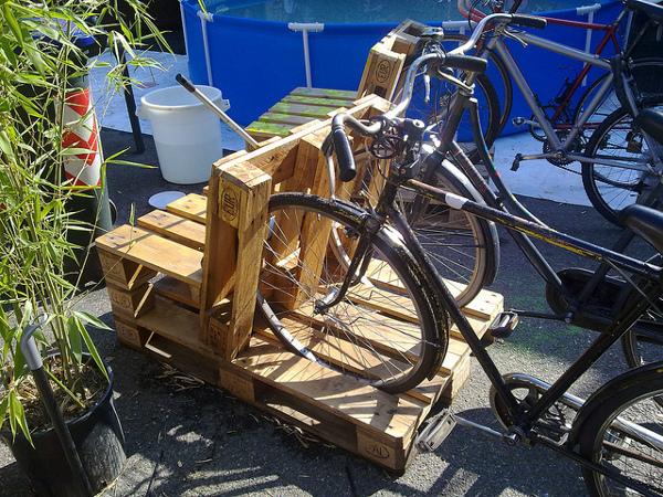 Pallet Bike Rack Old School Garden