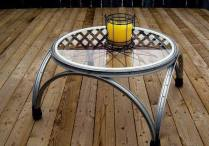 Now that's what I call real 'recycling'- coffee table made from old bicycle wheels!