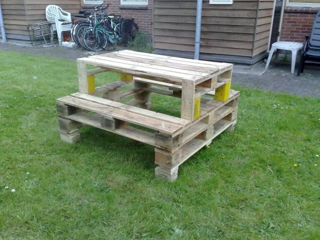Pallet bench..