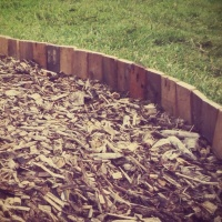 Recycled Pallet Wood Lawn Edging