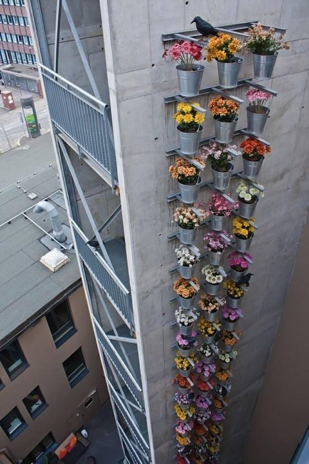 vertical garden via urban gdns