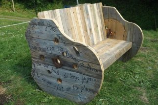 pallet and roll bench