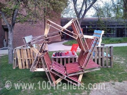 pallet play