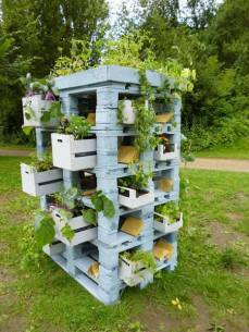 pallets and crates planter
