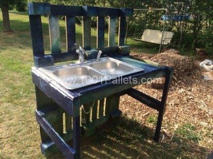 Garden wash stand