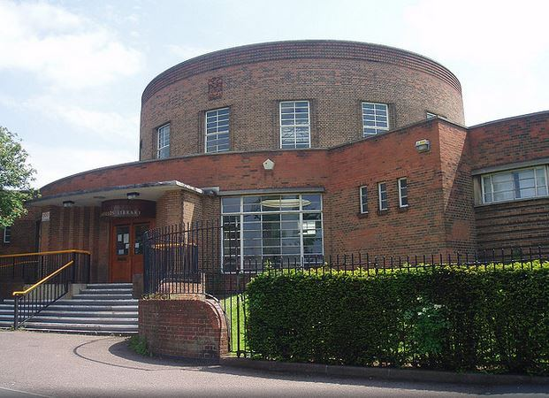 Southfields Library © Ned Trifle and made available through a Creative Commons Licence