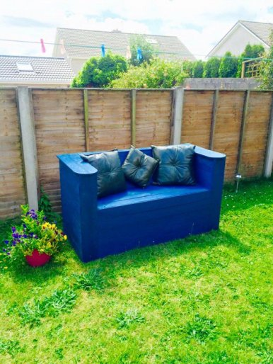 1001pallets.com-garden-pallet-bench-600x800