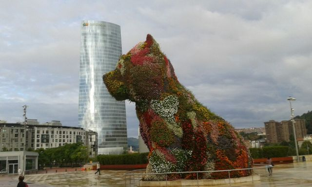 Floral art outside the Guggenheim in Bilbao, Spain. picture by Steve Mosley